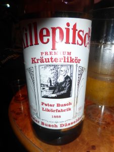 clives-not-dead-yet-party-bier-traveller-49