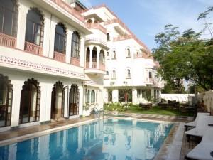 Jaipur Shahpura Hotel Bier-Traveller (12)