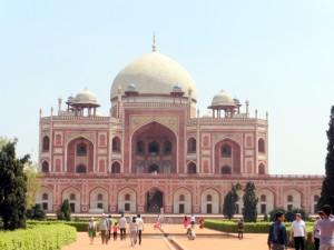 New Delhi Humayun's Tomb Bier-Traveller (1)