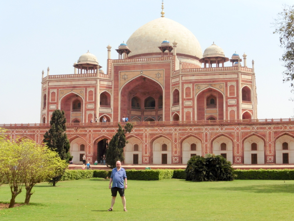 New Delhi Humayun's Tomb Bier-Traveller (2)
