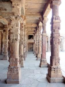 New Delhi Qutab Minar Bier-Traveller (23)