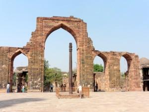 New Delhi Qutab Minar Bier-Traveller (25)