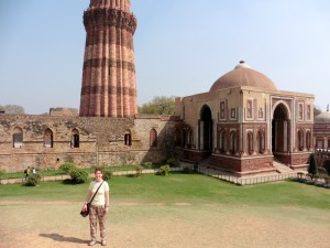New Delhi Qutab Minar Bier-Traveller (9)