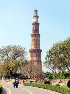 Qutab Minar Bier-Traveller (2)