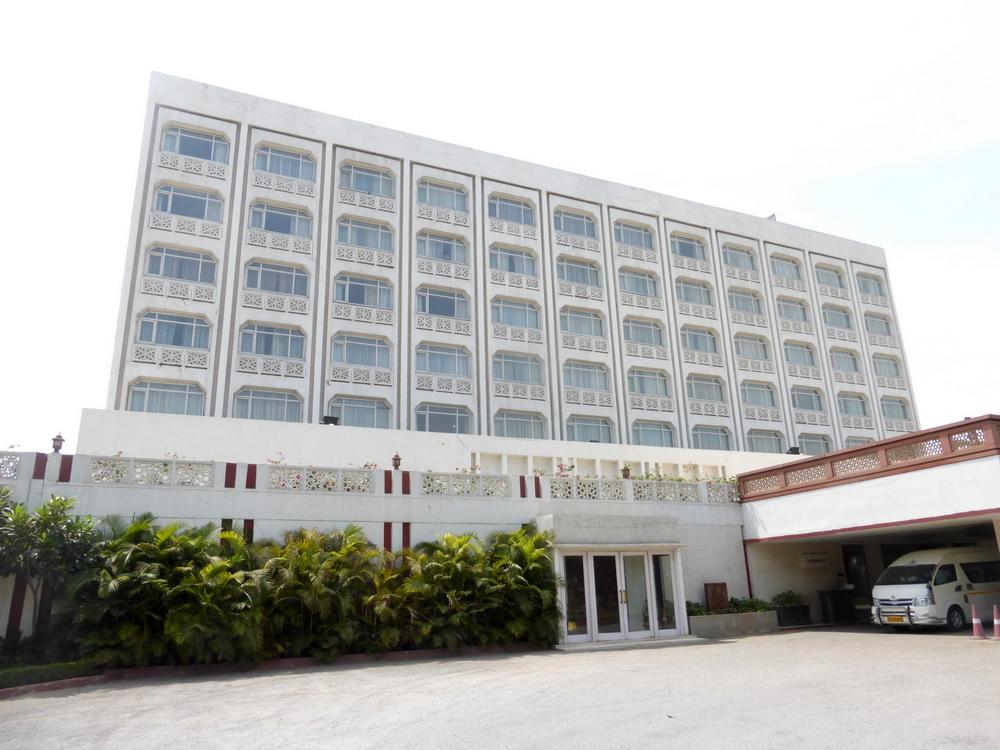 Agra Gateway Hotel Bier-Traveller (7)