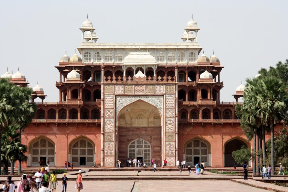 Agra Sikandra Bier-Traveller (89)