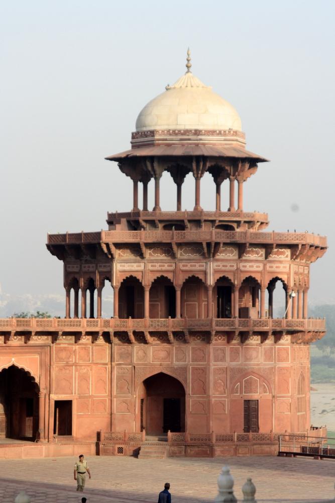 Agra Taj Mahal Bier-Traveller (37)