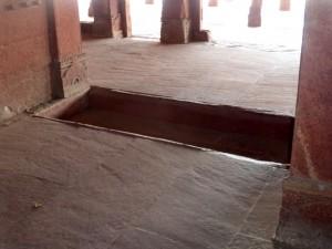 Fatehpur Sikri Bier-Traveller (135)