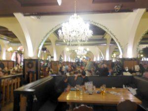 berlin-hofbrauhaus-bier-traveller-15